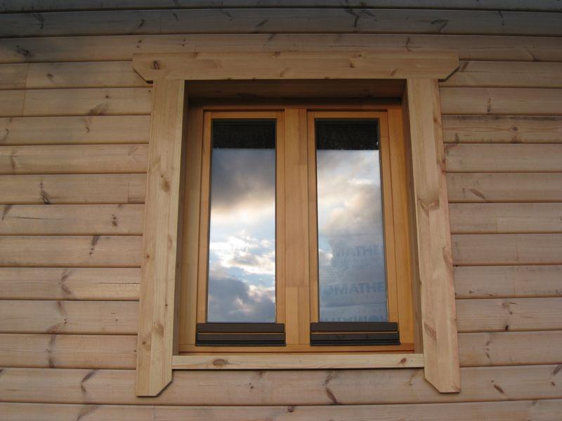 Auto construction d 39 une maison en bois massif page 16 for Encadrement de fenetre en bois