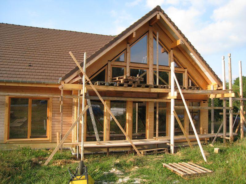 habillage de la fa ade sud auto construction d 39 une maison en bois massif. Black Bedroom Furniture Sets. Home Design Ideas