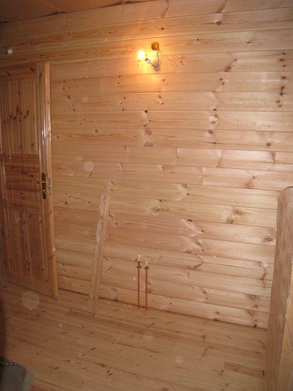 du lambris au lambris auto construction d 39 une maison en bois massif. Black Bedroom Furniture Sets. Home Design Ideas