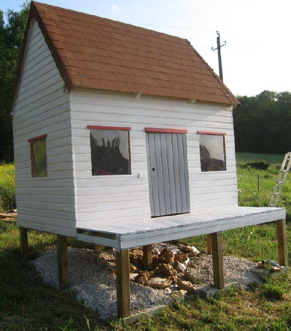 Cabane pour enfants auto construction d 39 une maison en for Cabane interieur enfant